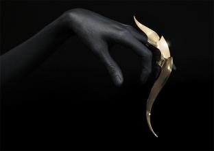 joji-kojima-armor-hand-small