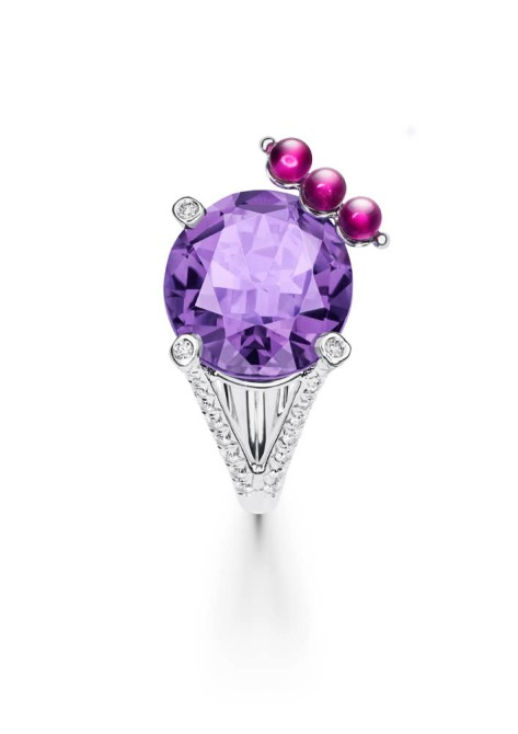Limelight Cocktail Party - Cherry Dream Cocktail Inspiration  18K white gold ring set with 1 oval-cut amethyst (approx. 9.27 ct), 3 rubellite beads (approx. 0.76 ct) and 39 brilliant-cut diamonds (approx. 0.58 ct).