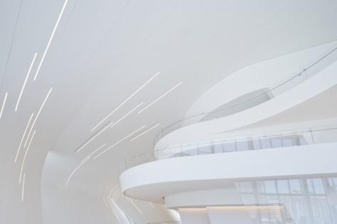 52851f2ee8e44e2225000145_heydar-aliyev-center-zaha-hadid-architects_hac_photo_by_iwan_baan_-9--1000x666